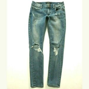 Lucky Brand Charlie skinny Low rise 4/27